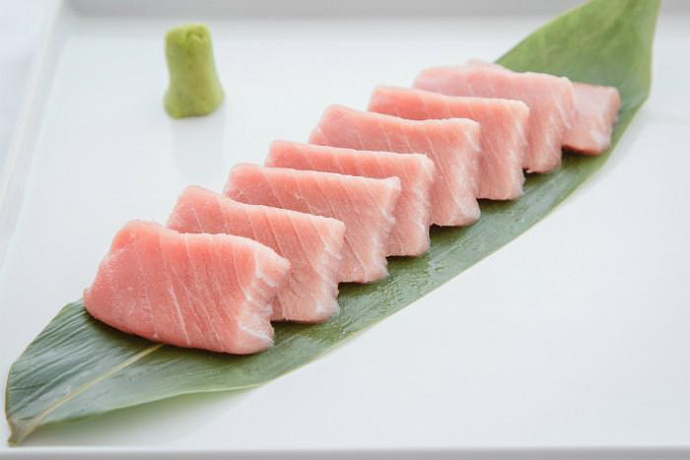 Тунец Bluefin - Chutoro Япония (Цукидзи)